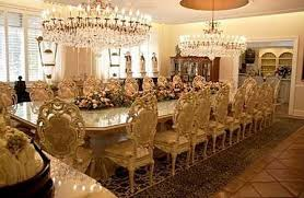 king-dinner-table