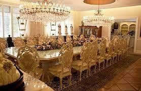king-dinner-table
